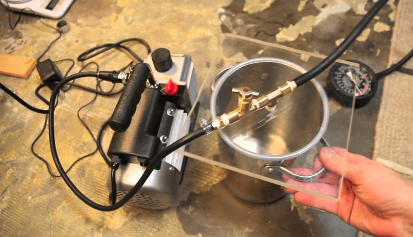 can you use air compressor oil in a vacuum pump